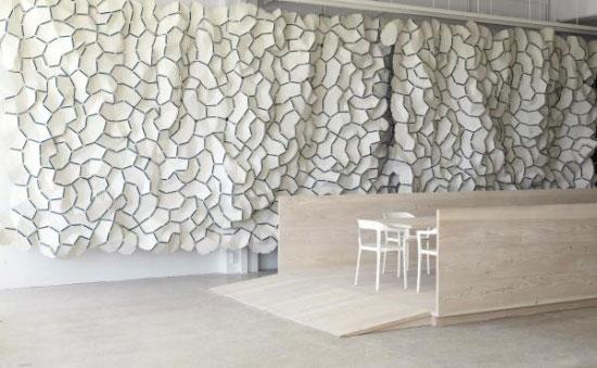 showroom-white-front