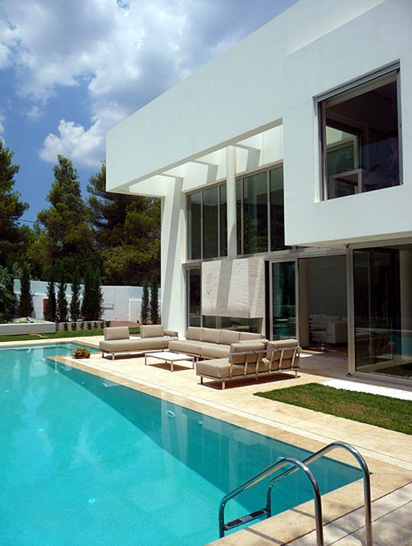 Wide Open Villa  garden swimming pool