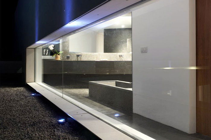 Modern House in Santander bathroom