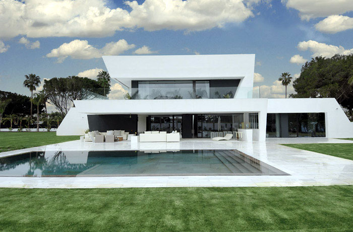 Stylish Sotogrande House beautiful white house