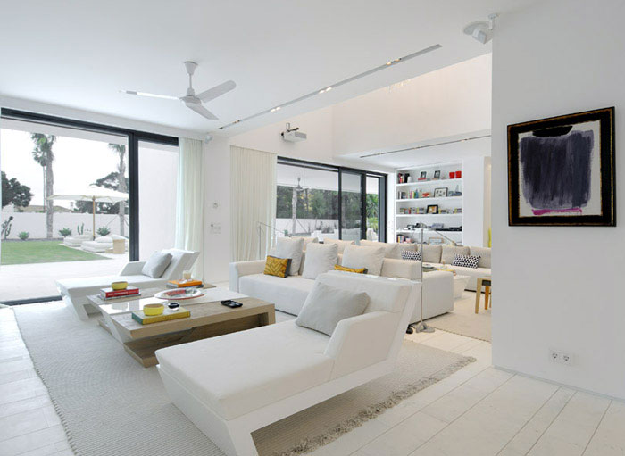Stylish Sotogrande House perfect white space