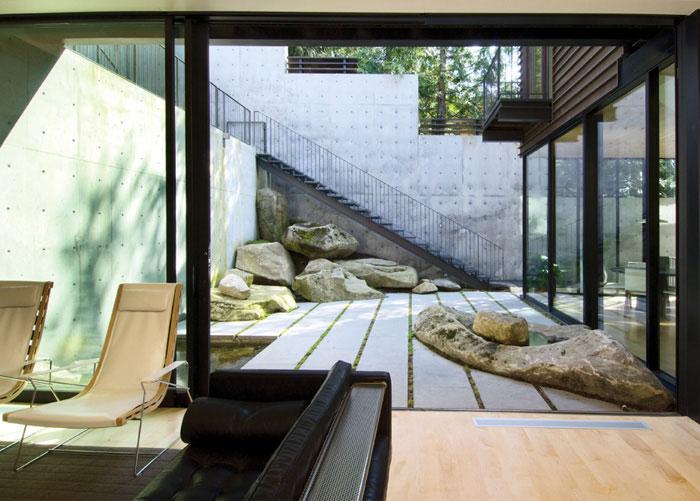 Building A Modern Interior Courtyard House Plans House Design