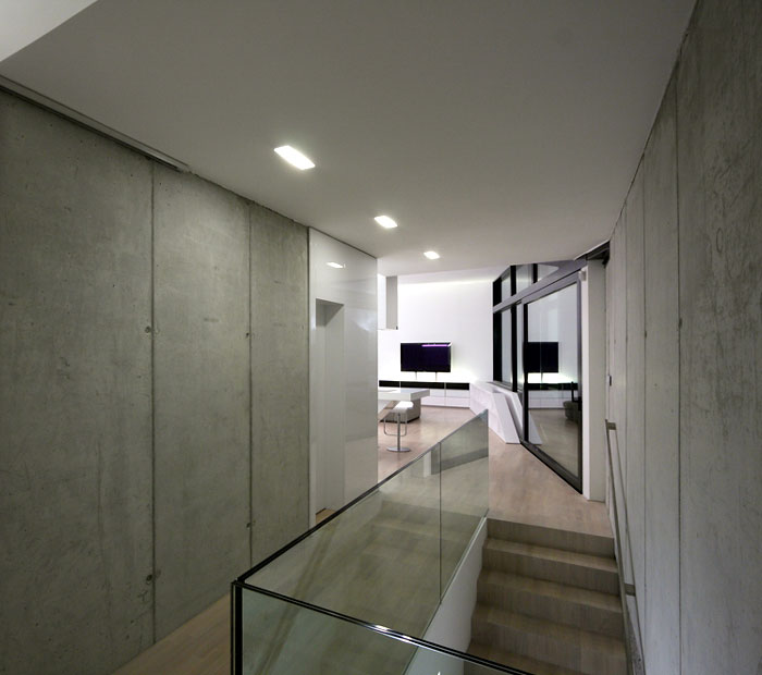 Stylish Homes Dom Zlomu interior corridor night