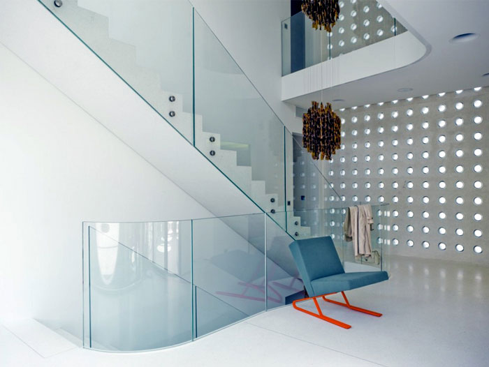 Sculptural Villa in Swtzerland white concrete interior