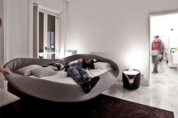 Looking for a cool bed?  lago bed