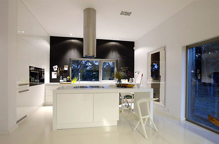 Modern House Near Pozan withe kitchen design
