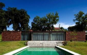 stylish-house-pool