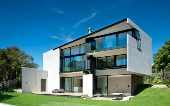 modern-family-home-outdoor