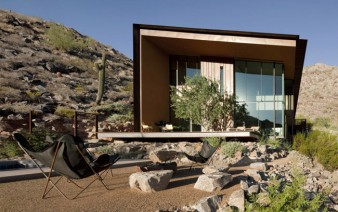 desert-house-outdoor-space