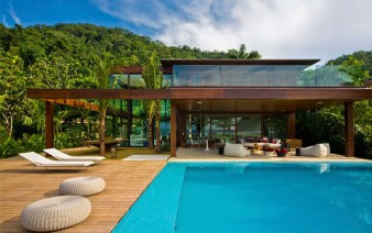 summer-house-pool-area