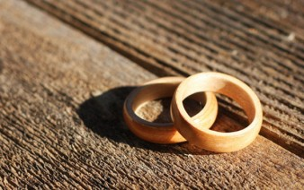 bent-wood-rings-wedding-pair-maple-maple