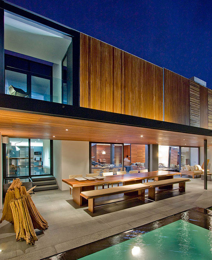 Two Story Contemporary Home Contemporary Home Outdoor Pool Area