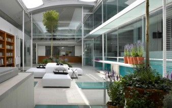 spectacular-residence-with-indoor-glass-pool-living-room