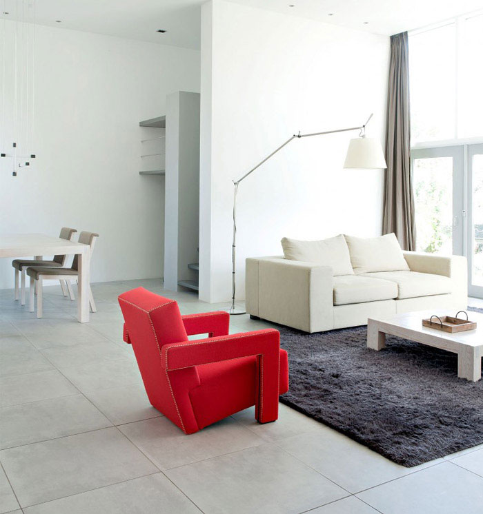 Challenge to Transform a Bungalow living room interior red chair