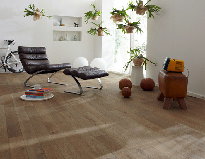 Why Should You Choose Real Wood Flooring Over Laminated? real wood flooring interior decor