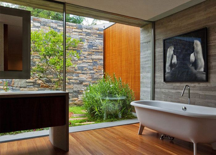 Sao Paulo Dwelling bathroom open private exterior garden