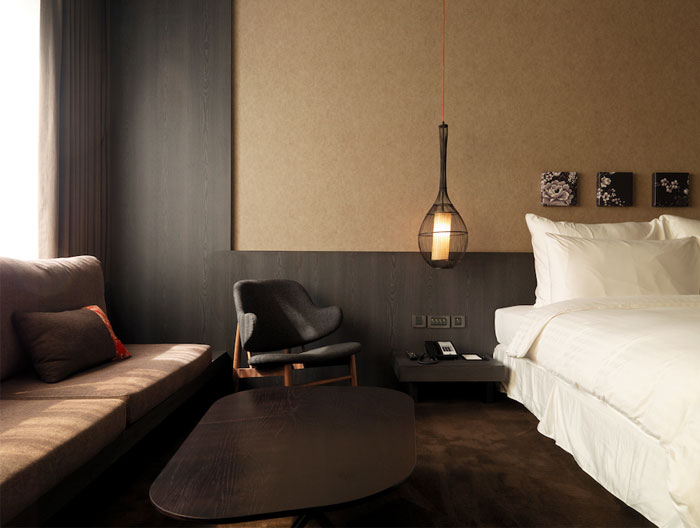 Contemporary classic hotel interior interiorzine for Hotel room interior images
