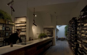 aesop-store-lighting-decor