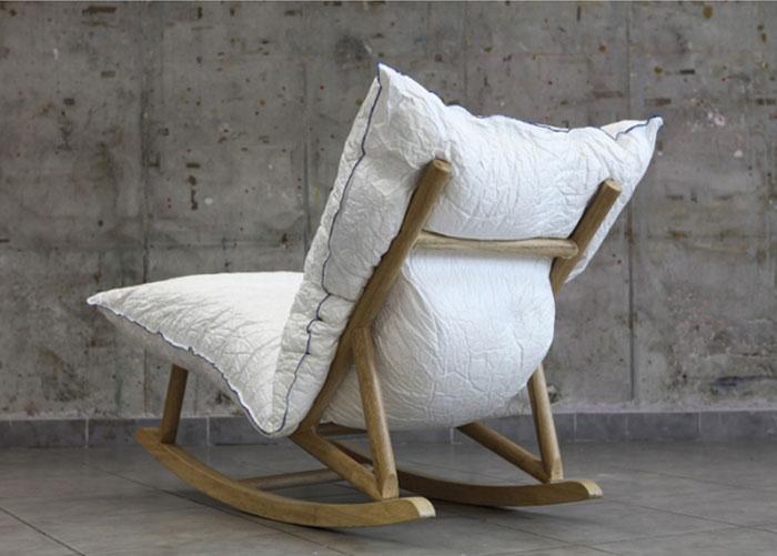 pillow-wooden-base