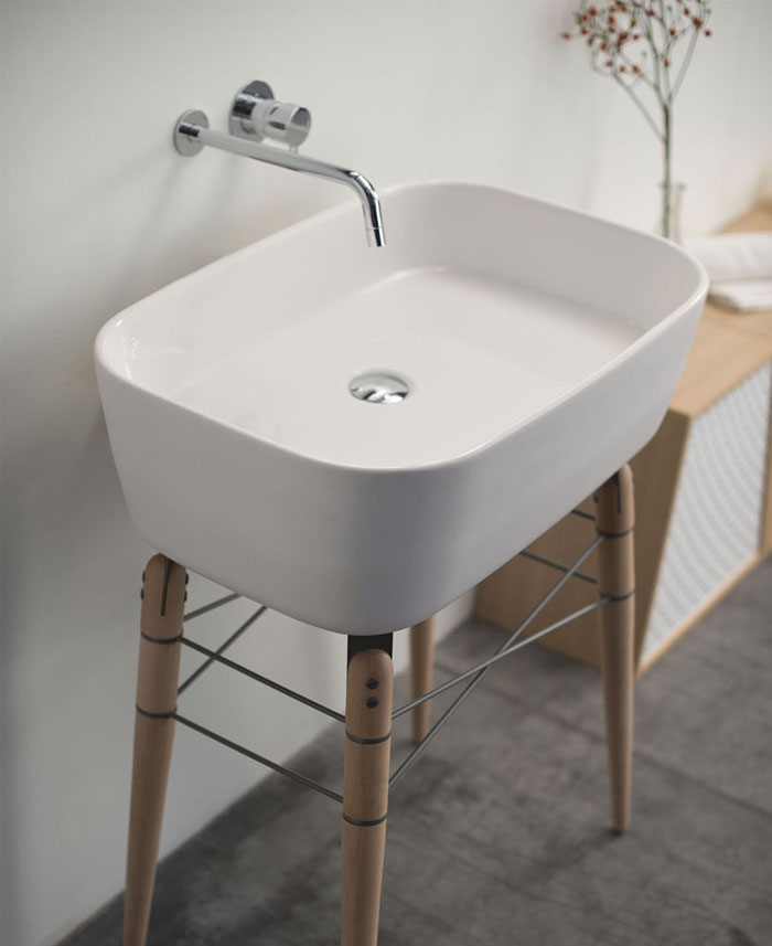 Ray Bathroom Ceramic Washbasin wooden legs