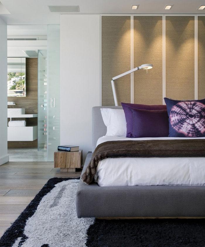 double-level-apartment-bedroom