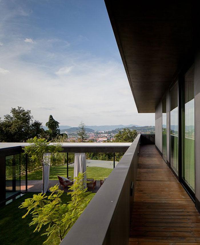 open-balcony