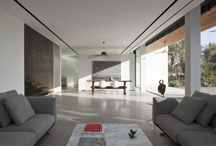 Family Residence in an Urban Environment family residence living area