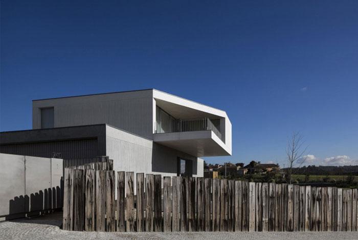 house-travanca-exterior