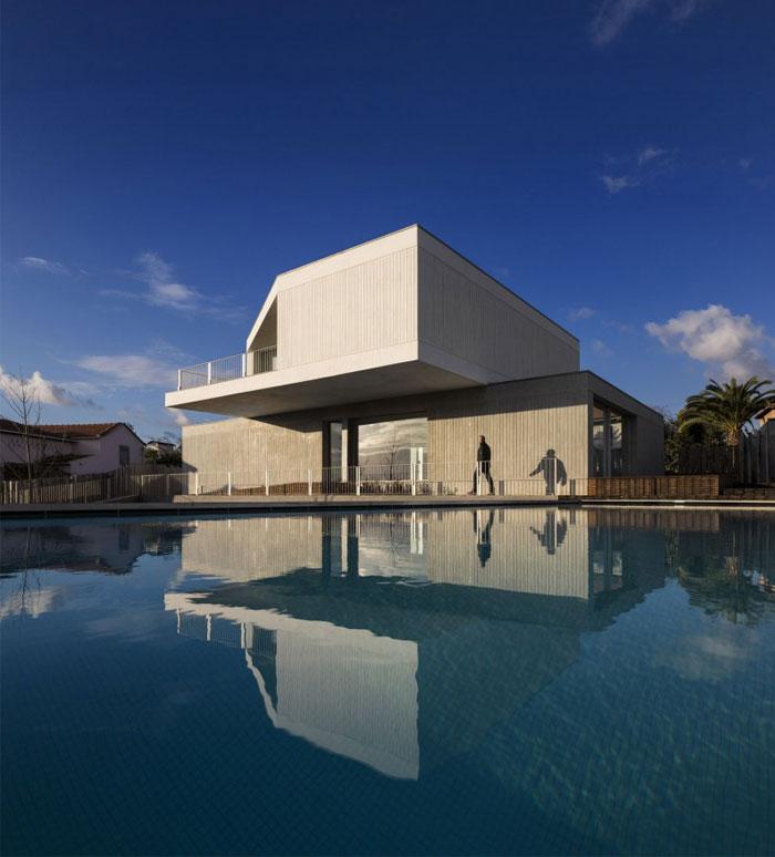house-travanca-pool-area