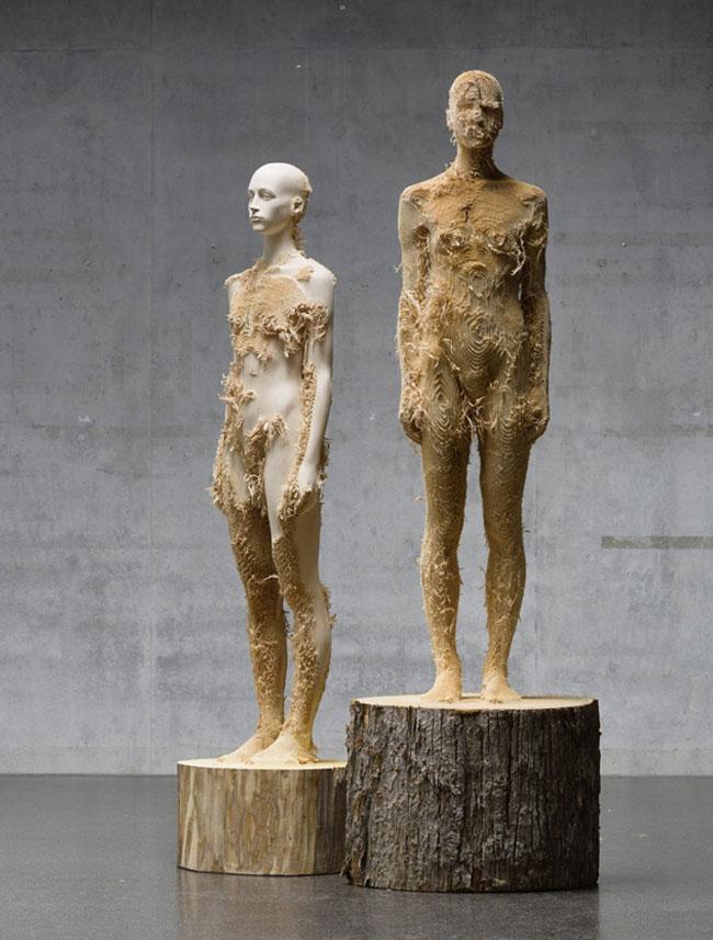 wood-figures-aron-demetz5