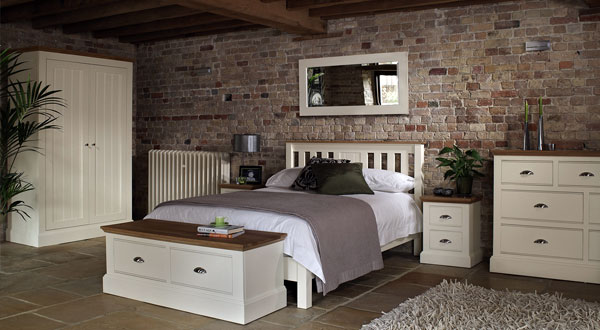 oak-furniture-bedroom-interior2