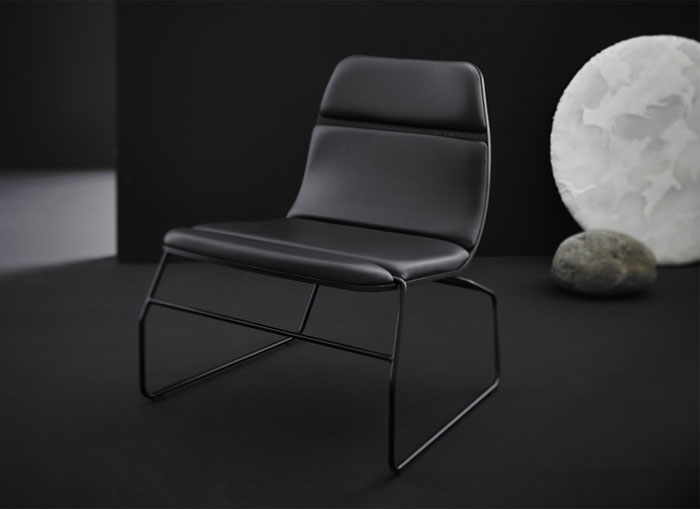 black-leather-lounge-chair3
