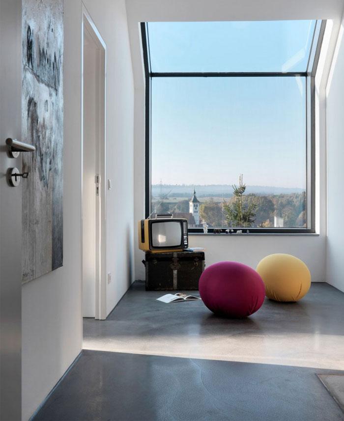 minimalist-trapeze-shaped-house5