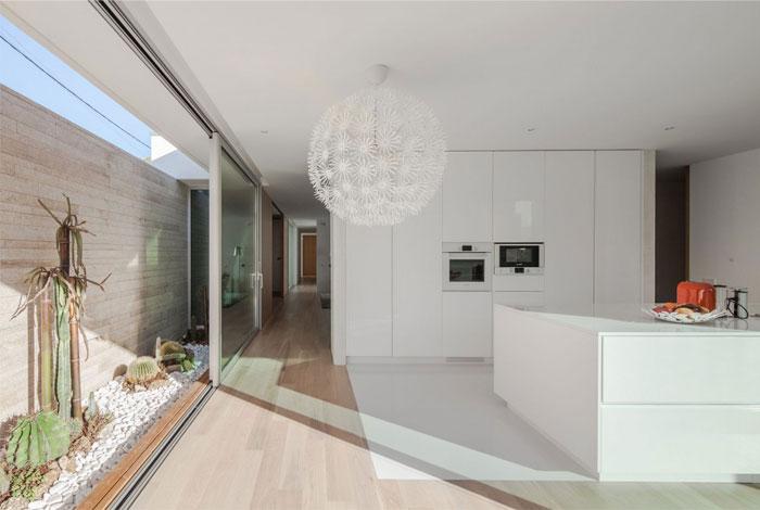 naturally-white-interior13