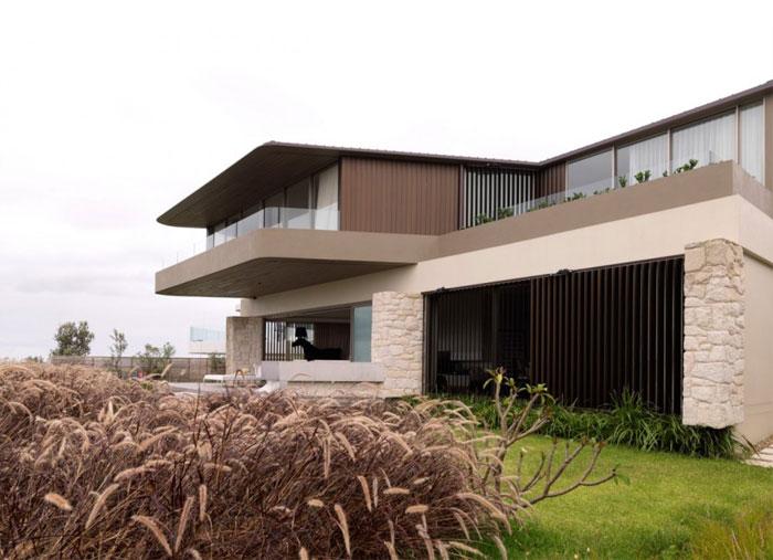 quarterdeck-house1