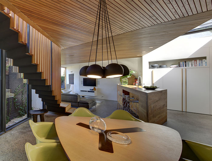 faceted-timber-volume-dining-area2