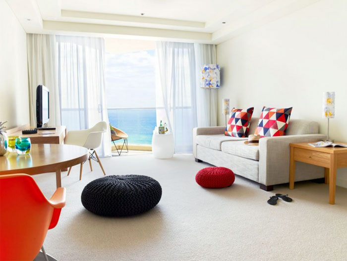 vibrant-beachside-hotel-bedroom6