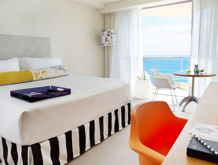 vibrant-beachside-hotel-bedroom7