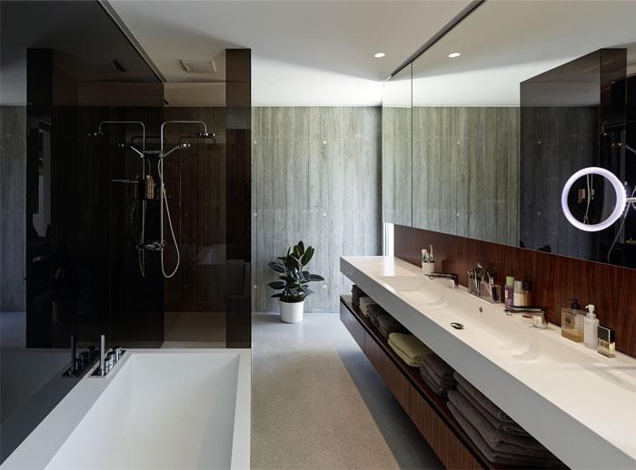 interior-bathroom1