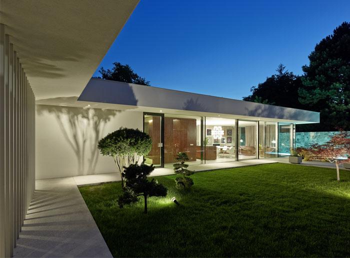 white-turquoise-swimming-pool