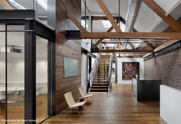 barn-wood-surrounds-conference-room5