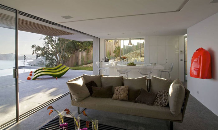 living-room-floor-to-ceiling-glass-doors7