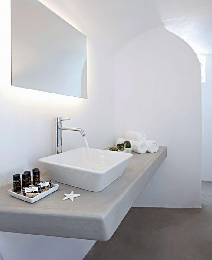 restored-house-bathroom