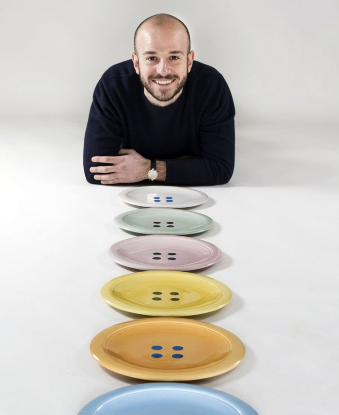 buttons-eat-pasta