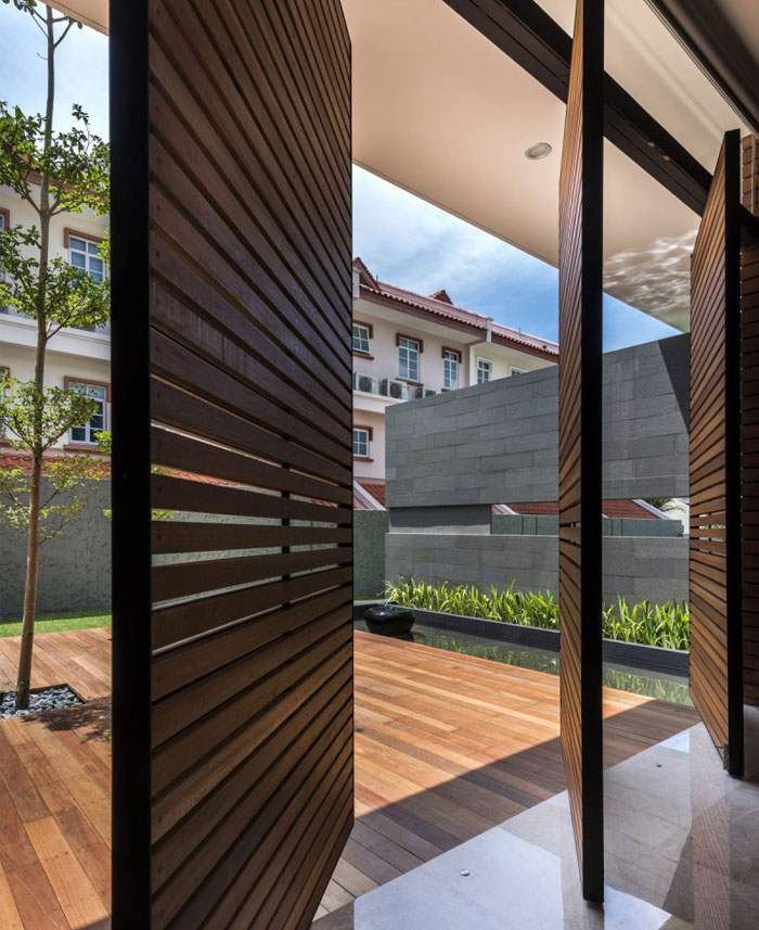 Modern Luxurious Townhouse Located In Singapore