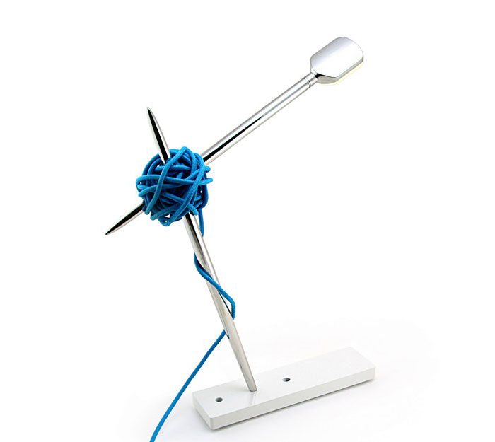 needle-lamp-modern-office-accessory