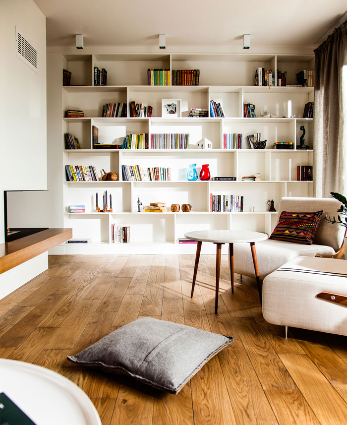 eclectic-contemporary-apartment-fireplace