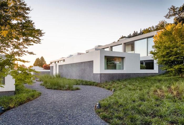 facades-made-decorative-concrete-clear-dark-parts