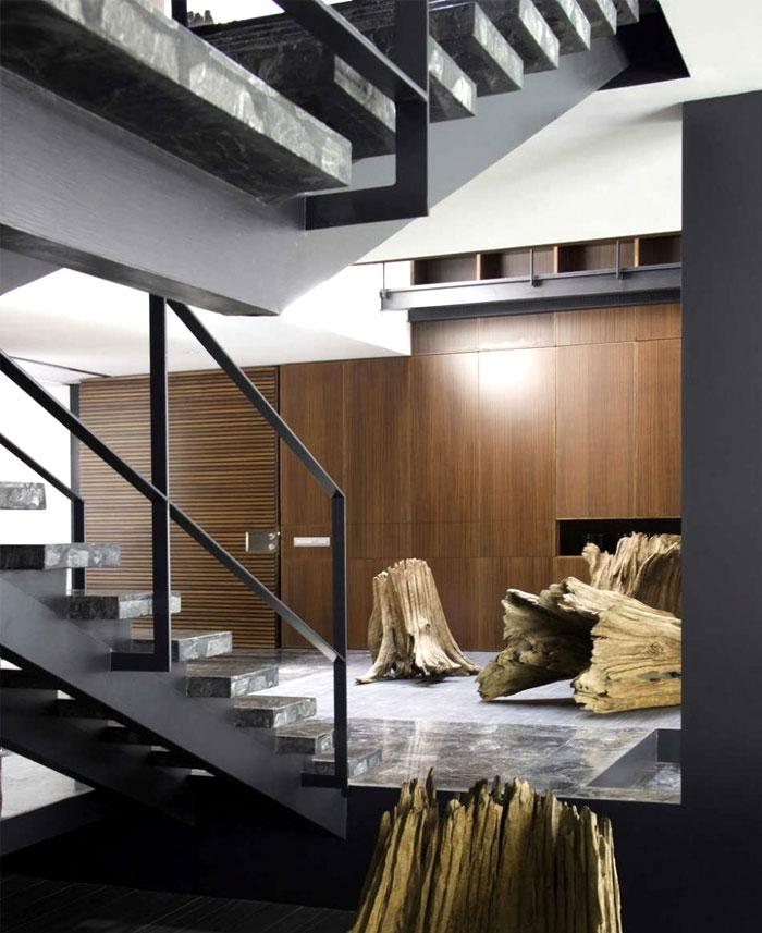 metal-stair-indoor-area