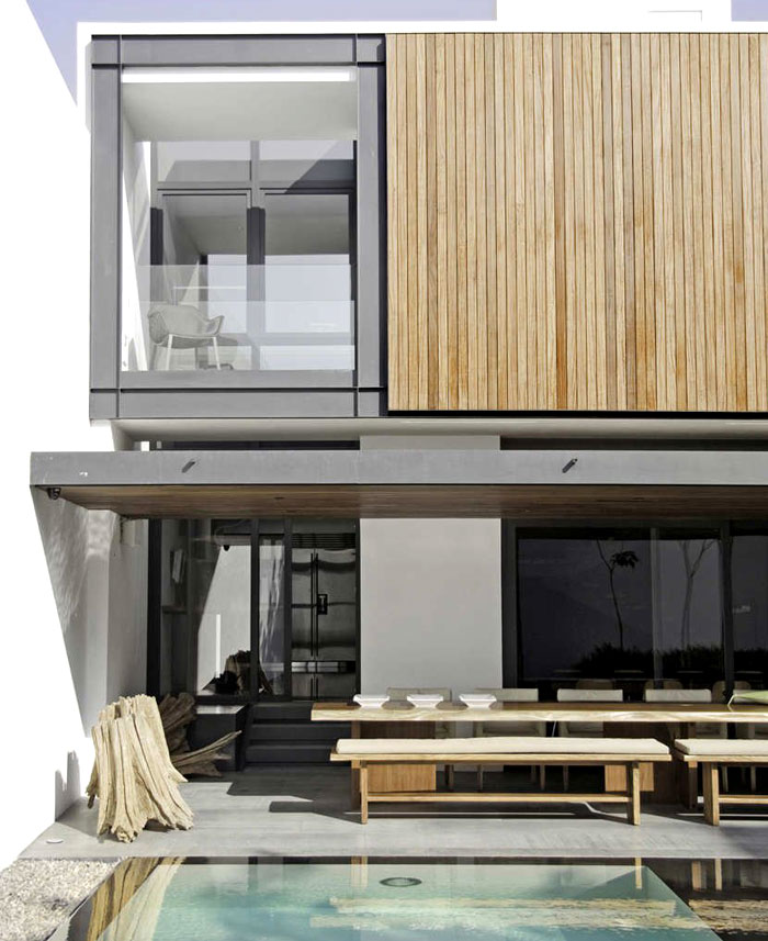 white-walls-open-area-pool